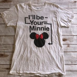 Minnie Mouse T-Shirt. Unisex Medium.